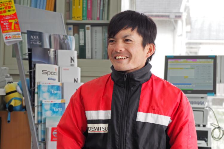 種子島石油 石油事業部西之表SS 山口 寿紀さん