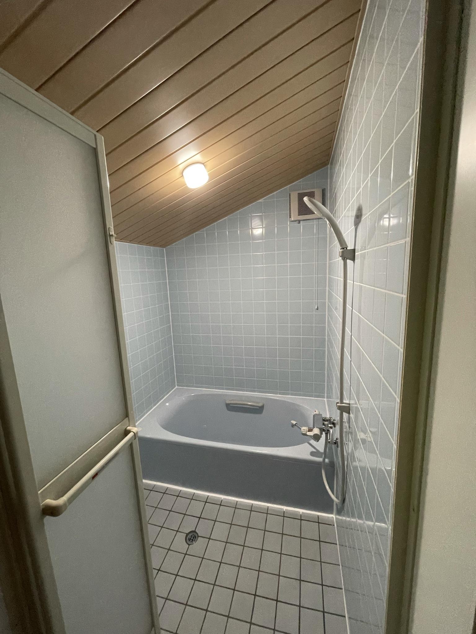 ご自宅の空き部屋を浴室に改造いたします♬